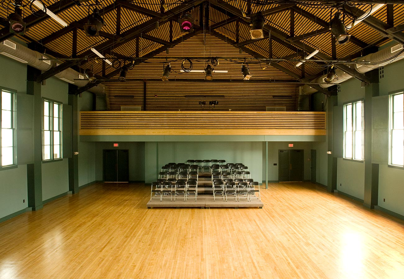 A large performance space in the historic Hannah Block USO building